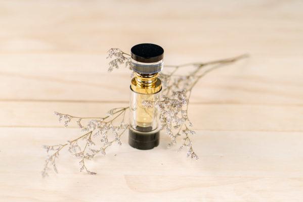 Tinh dầu đàn hương giúp tinh thần minh mẫn