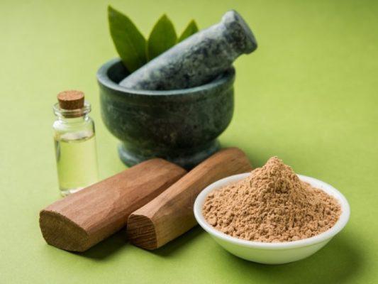 Cây Đàn hương tại Ấn Độ chỉ khai khác gỗ và tinh dầu