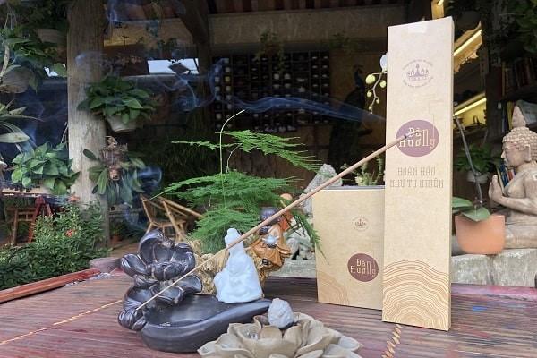 Người Việt thường sử dụng sản phẩm thờ cúng nào trong ngày Tết